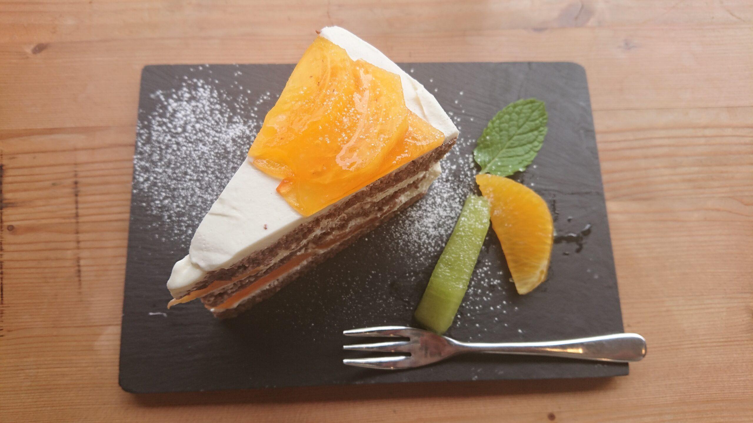 日替わりランチ&季節のケーキを食べてみて!「カフェ 蓮」